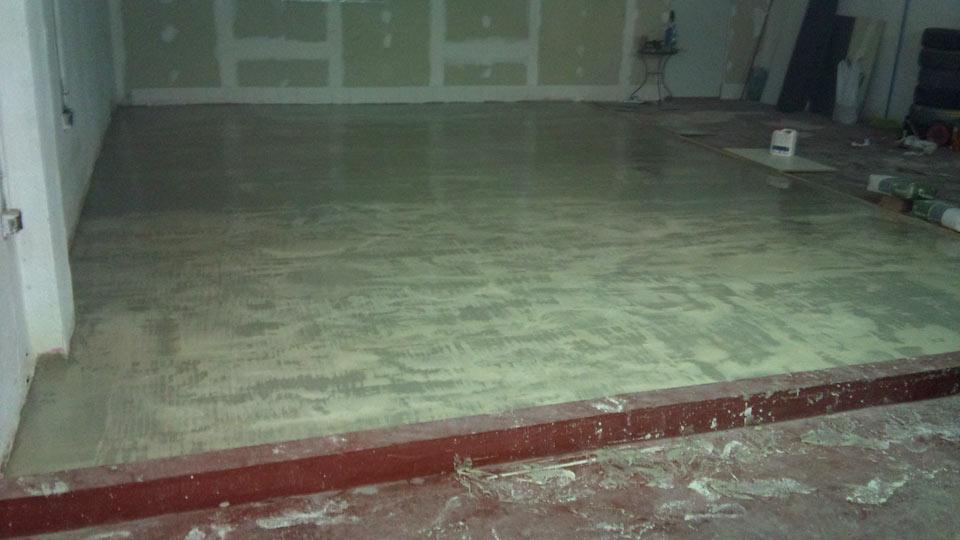 Nivelar el suelo antes de construir el ciclorama